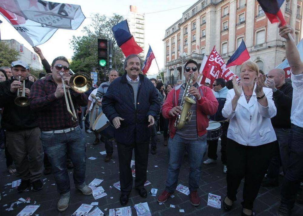 Stolbizer y Alfonsín cerraron campaña del FPCyS