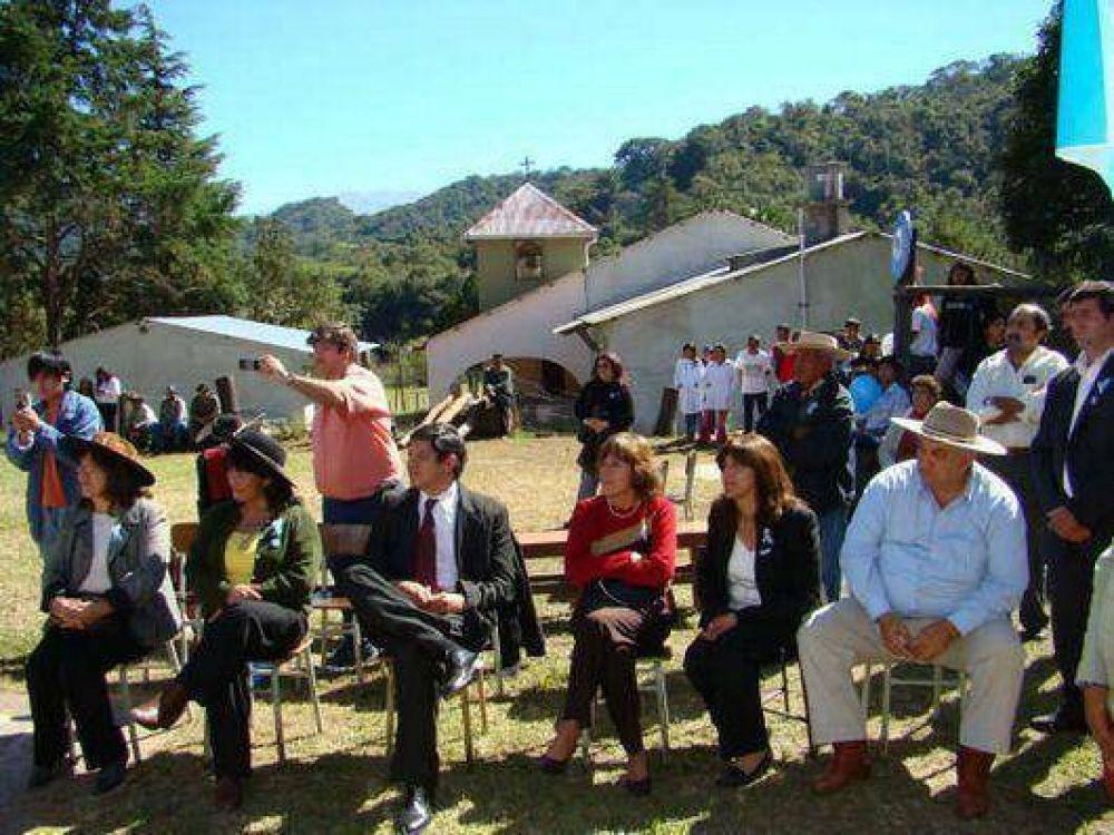 """Llanos en Ocloyas dijo que se debe """"descentralizar la educación"""""""