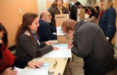 Hoy distribuyen urnas y cubren cargos de autoridades de mesa