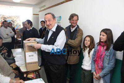 Votó Miguel Lunghi