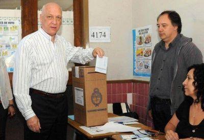 Bonfatti votó con custodia tras el narcoatentado