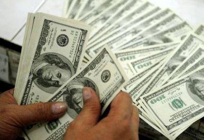 """Urgencia postelectoral: el """"dólar turista"""" recuperaría reservas"""