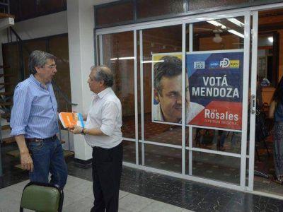 """El partido dem�crata reconoci� la dura derrota y consider� a Del Ca�o """"leg�timo ganador"""""""