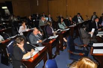 Ddputados provinciales: escrutadas el 40 % de las mesas, el FpV se imponia con el 58 % de los votos