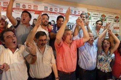 """La UCR se declaró ganadora: """"triunfó la paz y la libertad"""", definió Morales"""