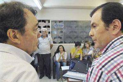 """Niccolai: """"Los santiague�os, con su participaci�n, demostraron una vez m�s su madurez c�vica"""""""