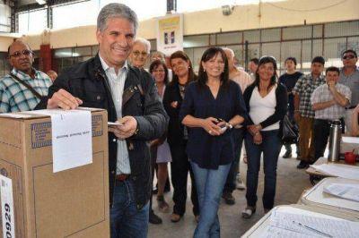 El gobernador votó en Merlo