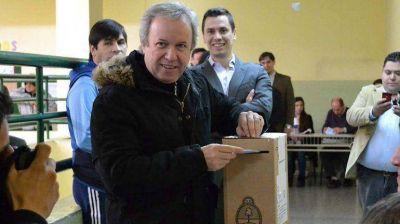 Ins�lito: Peralta dice que no gan� pero que hizo perder al kirchnerismo