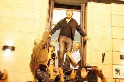 Tras la angustia de las PASO volvieron los festejos en el Frente para la Victoria