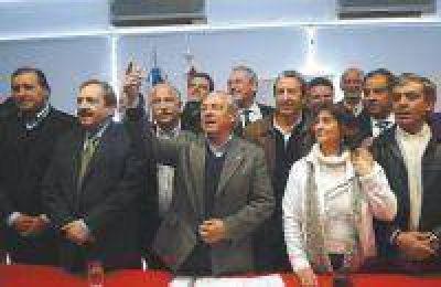 La UCR compensó bajas en la Provincia y ratificó el puesto de segunda fuerza