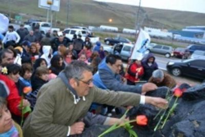 Multitudinario homenaje a Néstor Kirchner en la cuenca