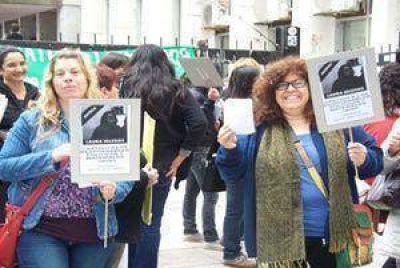 Compañeros de Laura Iglesias exigieron justicia a 5 meses de su asesinato