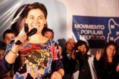 """Lucila Crexell: """"Sapag trabajó en contra de la lista oficial de su propio partido"""""""