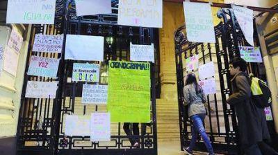 Ya sancionaron a 10 alumnos y varios quedarán libres