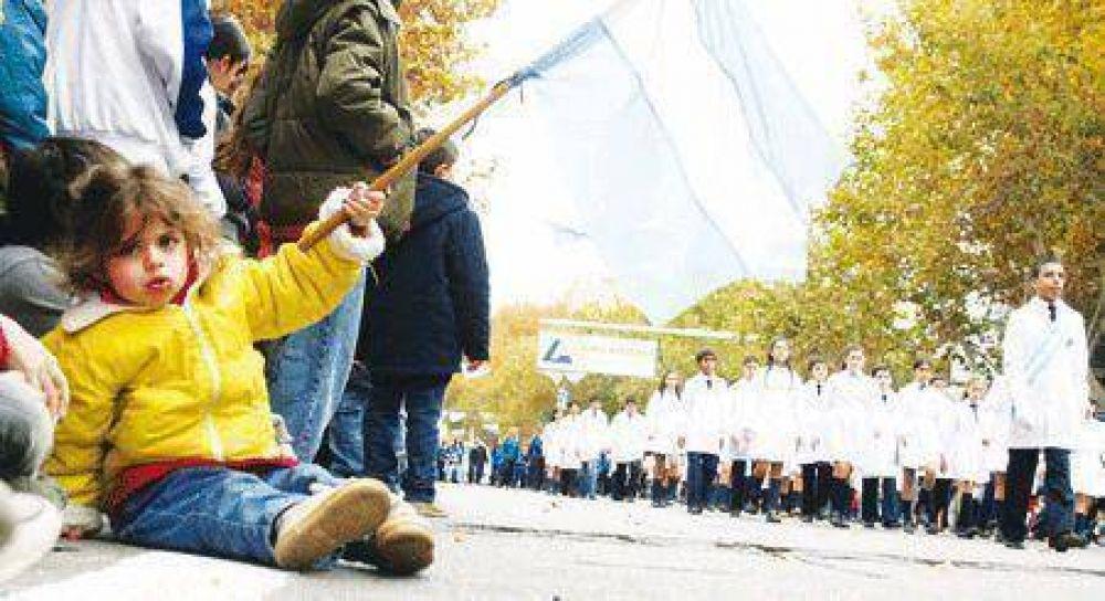 Más de 65 instituciones participaron del desfile cívico militar para celebrar el Día de la Patria: