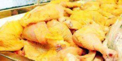 Se mantienen el precio del pan, del pollo y bajó el tomate