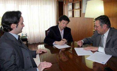 San Isidro firmó un convenio con la Universidad Católica de Santiago del Estero