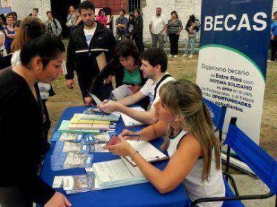 La próxima semana se distribuirán formularios de becas en tres departamentos