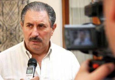 Scalesi anunció un juicio contra Aguilar al que trato de cagón