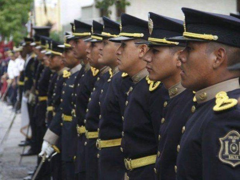 A los policías les impusieron un 25%