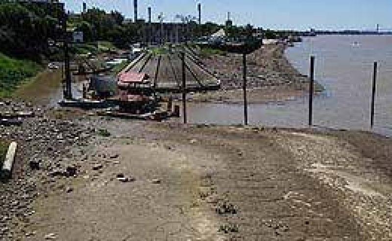 Volvió a bajar el río Paraná frente al puerto de Rosario