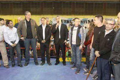 """Ferraresi participó de la exhibición del """"Boxeo Argentino"""" en el Gatica"""