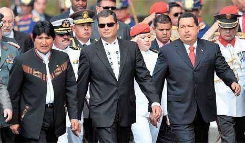 Morales, Chávez y Correa, juntos para nacionalizar