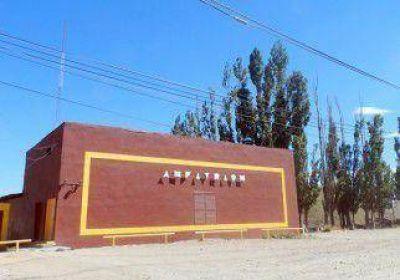Plaza Huincul, dividida por el posible cierre de cabarets