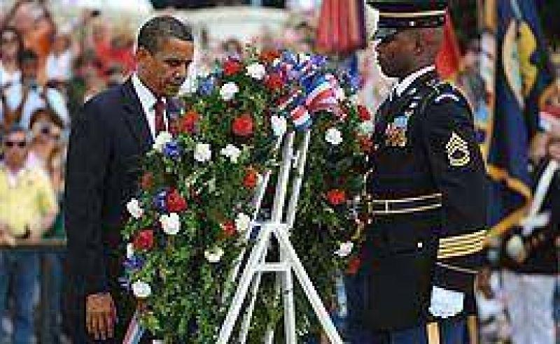 Obama rindió homenaje a los caídos en la guerra de EEUU