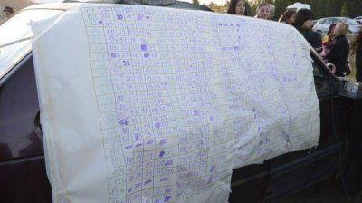 Por 13 votos, los docentes siguen en la ruta