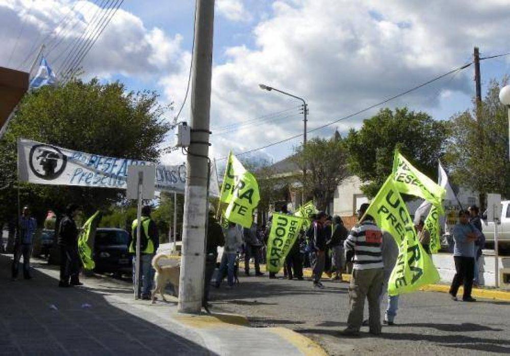 Trabajadores de la UOCRA bloquearon por unas horas el acceso al yacimiento Cerro Moro