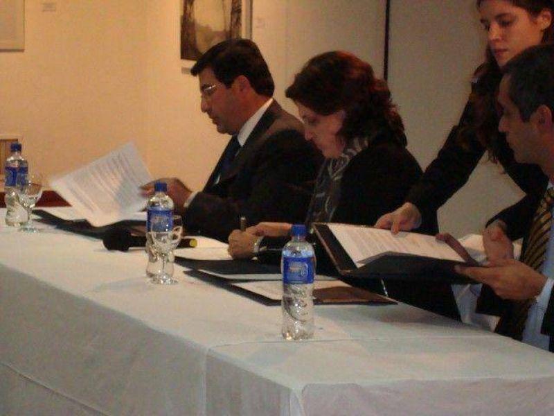 Se firmó en Luján el convenio para la exportación de granos