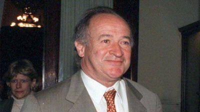 El ex titular de la SIDE criticó a Rafecas por la investigación en la causa