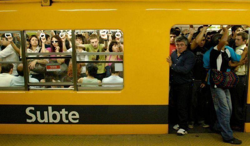 """Subte: """"El 70% de los pasajeros puede pagar la nueva tarifa"""""""