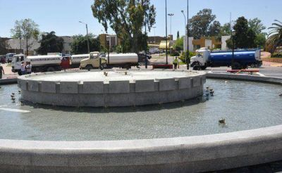 Larrañaga avanzará con la estatización del servicio de riego de calles de Santa Rosa