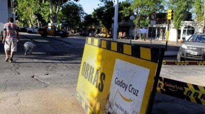 Godoy Cruz culpa a Aysam por roturas en calles y le reclama obras