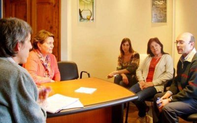 Chiocconi y directivos del Conicet recorrieron las nuevas instalaciones del organismo de investigaci�n