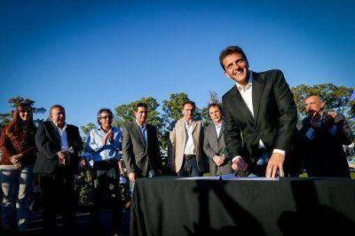 Massa con veinte municipios firmó un convenio con eje en la seguridad