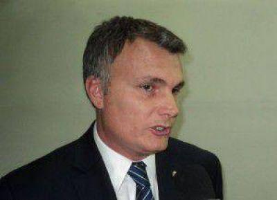 Gatti sostuvo que proyecto para endulzar bebidas con mosto de uva beneficiaría a productores vitivinícolas