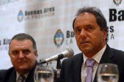 Carossi se re�ne con Scioli y otros intendentes para tratar las internas del PJ