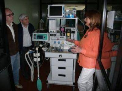 Presentaron en el Hospital una nuevo equipo de anestesia