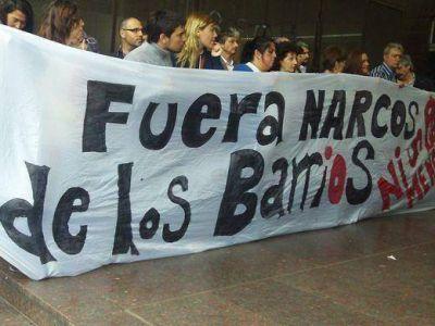 """Presentan una denuncia por """"asociación ilícita"""" entre policías bonaerenses y narcos"""