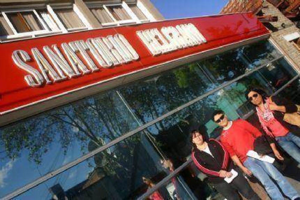 Iniciaron una medida de fuerza en el Sanatorio Belgrano por el atraso de los salarios