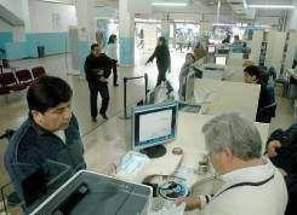 OSP: Empiezan a reempadronar y entregan la tarjeta magnética