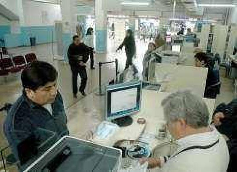 OSP: Empiezan a reempadronar y entregan la tarjeta magn�tica