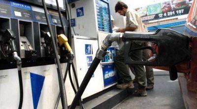 """Más municipios aplican un """"impuesto"""" a los combustibles"""