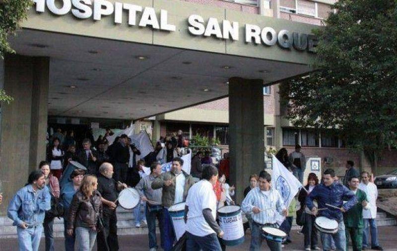 Trabajadores de hospitales contin�an el plan de lucha