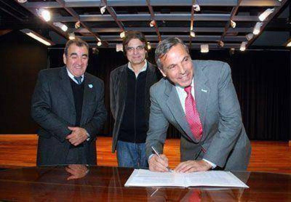 "*Por ahora, Neuquén le ""presta"" 22,5 millones a Nación"