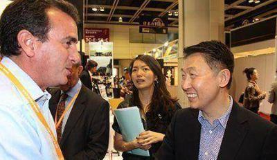 P�rez busca financiamiento para vivienda en China