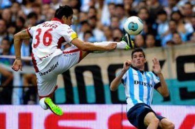 Racing cayó con Argentinos, que aprovechó un contraataque